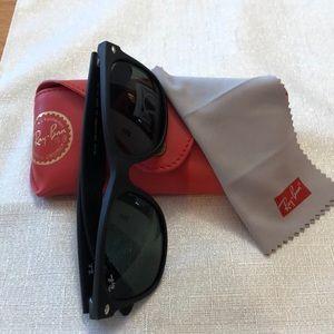 RayBan sunglasses 🕶 New Waferer